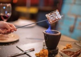 Globe-Cafe-s'mores